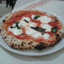 Al Cantinone, il fuoriclasse della vera pizza napoletana