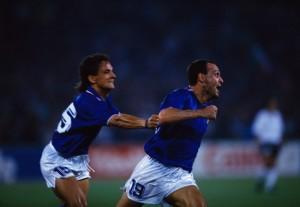 Roberto_Baggio_+_Salvatore_Schillaci_-_Italia_'90