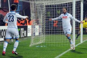 Trabzonspor-Napoli Higuain e Gabbiadini esultano