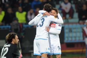 Trabzonspor-Napoli abbraccio gabbiadini-mertens