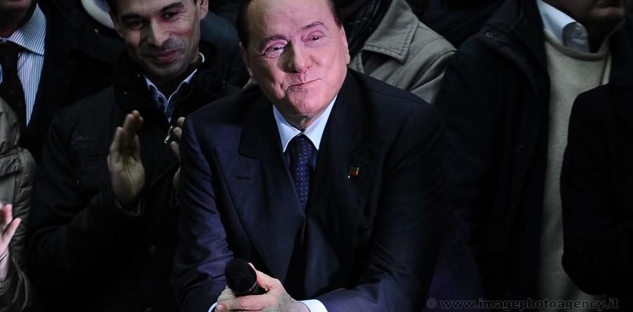 Berlusconi_D0B2244-900x444