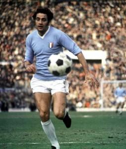 Giorgio_Chinaglia_1974-75_3