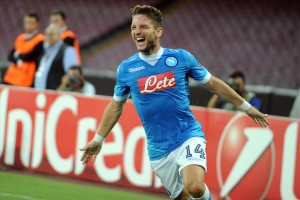 Napoli-Brugge esultanza secondo gol Mertens