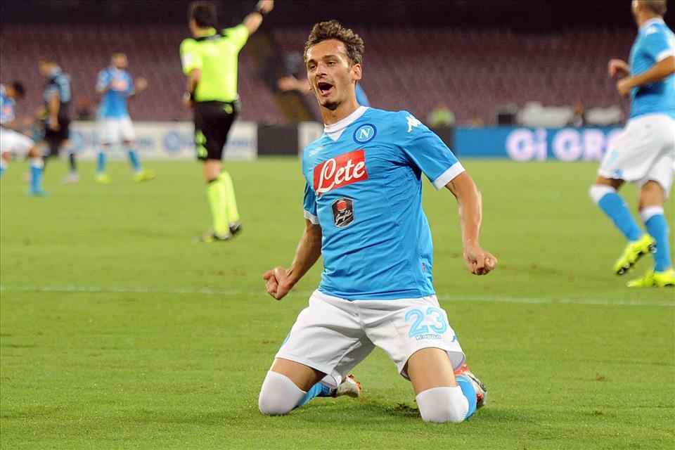 Napoli-Lazio 5-0 Gabbiadini esulta 2