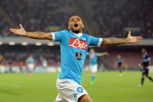 Napoli-Lazio 5-0 Insigne esulta 3