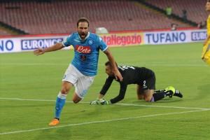 Napoli-Sampdoria esultanza primo gol Higuain 2