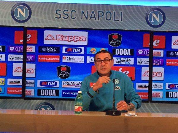 Alla conferenza stampa solo le testate invitate da Sarri