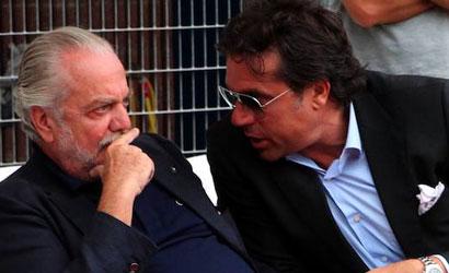 Napoli, rabbia tifosi: striscioni contro De Laurentiis, un mercato deludente!