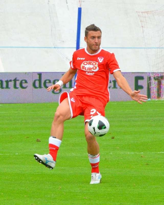 Lorenzo Laverone è un calciatore dell'Avellino