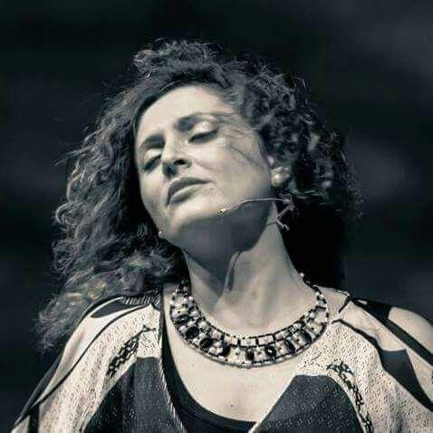 FIORENZA CALOGERO: LA MUSICA POPOLARE E' UN ATTO D'AMORE PER LA MIA TERRA