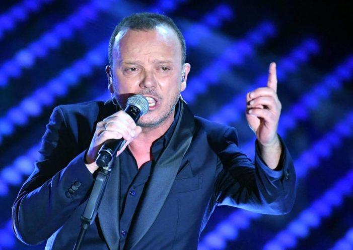 Cachet di Gigi D'Alessio: il cantante respinge le polemiche