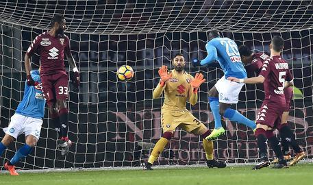 Calcio: Napoli; Hamsik celebra record, 'Ma Diego è unico'