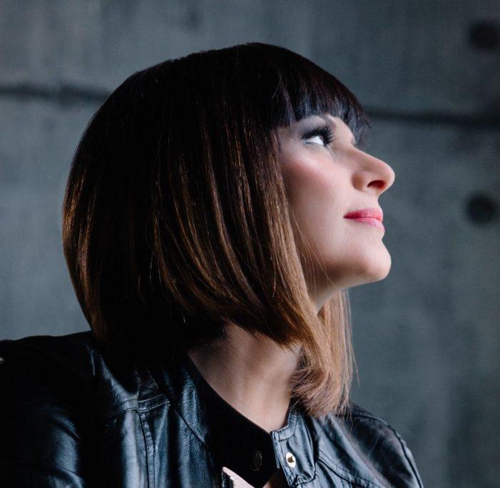"""Intervista a Silvia Mezzanotte: """"Il mio messaggio è quello di far capire che il mondo dello spettacolo non è solo apparenza"""""""