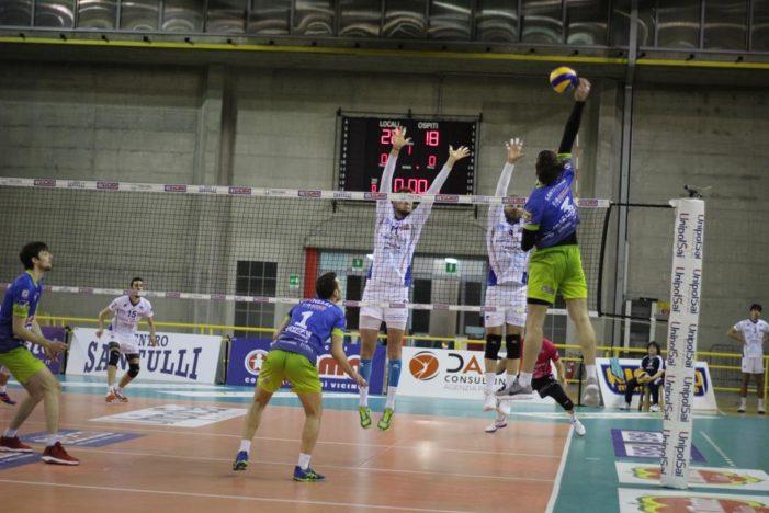 PALLAVOLO – La Sigma Aversa sorride al tie-break contro la VBC Mondovì: al PalaJacazzi i primi 2 punti della Pool B