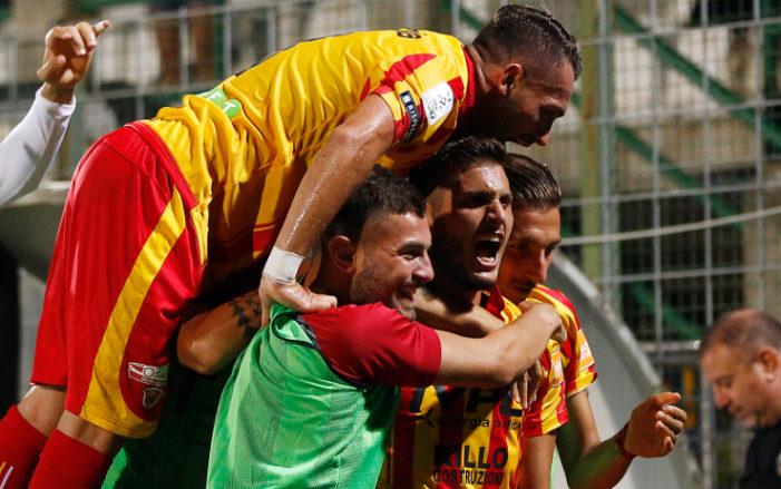 Seria B: Benevento-Foggia, i betting analyst dicono over