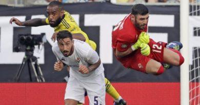 """Fiorentina, netta sconfitta con l'Arsenal: 0-3. Montella: """"Bene per un'ora"""""""