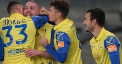 Serie B, il Chievo vince la semifinale d'andata dei playoff: Spezia battuto 2-0
